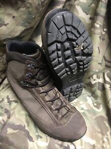 Brown high Liability goretex AKU Boots!british Army Issue!hardly worn! Size 12 L