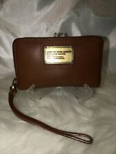 Marc By Marc Jacobs Leather Hand Wristlet Bag Color Kakhy