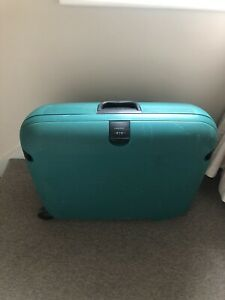 Carlton Rigid Green Suitcase W67 X H55cm