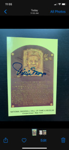 WILLIE MAYS 100% AUTOGRAPH ON A HALL OF FAME PLAQUE POSTCARD-1980's