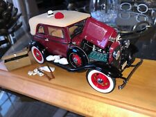 Danbury / Franklin Mint 1:24 1932 Ford V8 Bonnie & Clyde Bank Robbery Escape Car