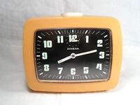 70er Jahre DUGENA Wecker orange Kunststoff Leuchtziffern Handaufzug 12 x 10 cm