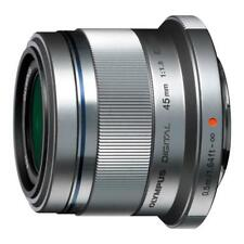 Olympus M.Zuiko Digital 45mm f/1.8 Lens  Silver