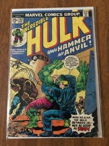 Incredible Hulk #182 - With Value Stamp / 2nd Full Appearance of Wolverine