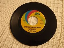 STRAWBERRY ALARM CLOCK  BAREFOOT IN BALTIMORE/AN ANGRY YOUNG MAN UNI 55076    M-