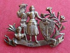 insigne broche bijou patriotique 1870 1914 JEANNE D'ARC  métal argenté 25x35mm