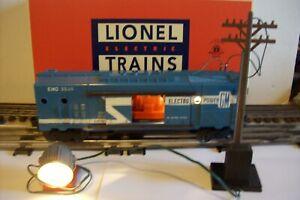 HTE LIONEL POSTWAR #3530 ELECTRO MOBILE POWER W/SEARCHLIGHT, POLE & LIONEL BOX