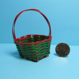 Dollhouse Miniature Diamond Rectangle Wicker Woven Basket Red and Green MA8415-8