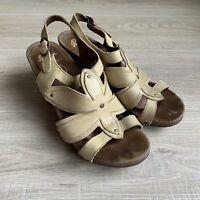 DANSKO Sand Dollar NINA Sandals Tan Leather Wood Heel Womens Size 39 US 8.5/9