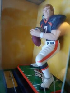 JOHN ELWAY, BRONCOS QB NIB, 1998 NFL STARTING LINEUP, GRIDIRON GREATS, LIFE-LIKE