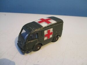 renault dinky 80F french ambulance militaire