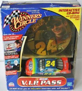 Jeff Gordon #24 NASCAR Chevrolet 2000 Dupont  1:43
