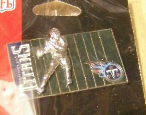 Tennessee Titans player on field lapel pin NFL