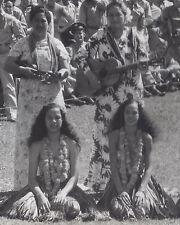 1940s RP POSTCARD HAWAIIAN HULA GIRLS & UKULELE GUITAR PLAYERS