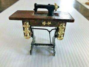 Vintage Doll House Miniature Treadle Sewing Machine 1:12
