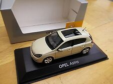 MINICHAMPS 403 043003 OPEL ASTRA 5 door diecast model car pearl 1:43rd no case