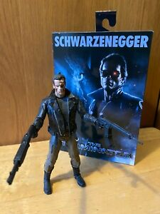NECA Terminator Ultimate Police Station Assault T-800 7'' Figure (51912)
