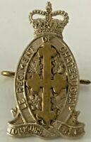 Le REGIMENT de CHATEAUGUAY Collar Badge QC Canada