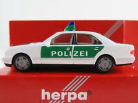 """Herpa 042864 Mercedes-Benz E 320 Lim. (1995-2002) """"POLIZEI"""" 1:87/H0 NEU/OVP"""