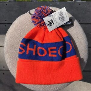 NWT DC shoes-unisex youth Chester 2 beanie with pom pom in Orange and Blue