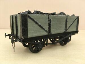 0 gauge kit built 5 plank grey open coal wagon. c/s wheels.+ coal.