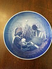 """Bing & Grondahl 1971 """"Christmas At Home"""" Christmas Plate"""