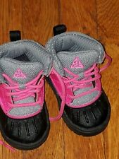Toddler boots size 5 Nike boots