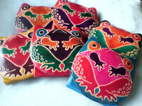 REAL LEATHER PURSES WITH FROG MOTIF IN ASSORTED COLOURS 6cm x 8cm.£3.95 each NWT