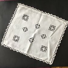 Napperon Ancien Etamine Travail A l'Aiguille Old French Embroidery Doily