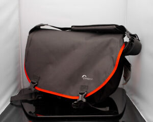 Lowepro LP36656 Passport Messenger Shoulder Bag Camera / Laptop Case Grey