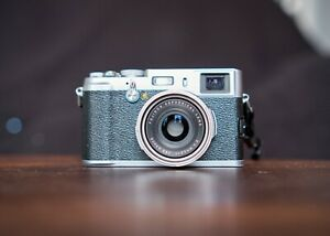 Fujifilm FinePix X100 12.0MP Digital Camera - Silver