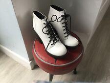 H&M white boots size 5 new unworn retro.