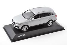 Audi Q7 gris Métallisé 1/43