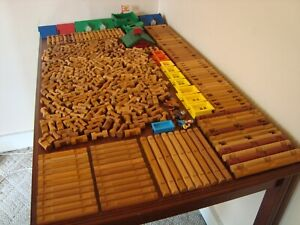 Lincoln Logs HUGE Lot 424 Pieces Roofs People Windows TONS of Different Pieces