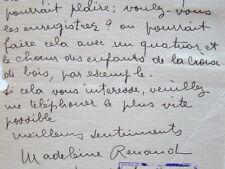 Madeleine Renaud propose d'enregistrer les chansons de La Maternelle.