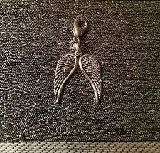 Angel wings clip on charm Bag charm Tibetian silver, antique look