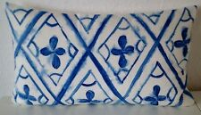Markenlose Dekokissen aus Baumwollmischung mit geometrischem Muster
