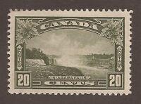 CANADA #225 MINT