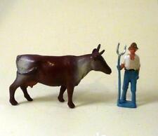 Vintage Lead Nr Comme neuf FERMIER AVEC FOURCHE + vache 1950 S-BRITAINS Era EX Shop