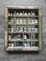 Porzellan 32 x Fingerhut mit Setzkasten