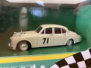 Vanguards Heroes of Australian Motorsport VA08401 Jaguar MkII ATCC 1963 Bob Jane