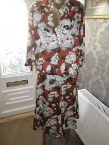ZARA TAN / CREAM FLORAL PRINT  CULOTTES  AND SHIRT CO ORD SIZE LARGE