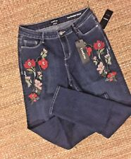 Super-cute Women's FLORAL Embroidered bebe Jeans NWT