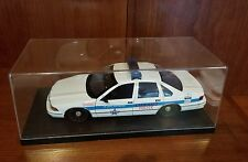 Model Chicago Police Chevy Caprice Diecast Car #9466 Toy Model 1:18 Display Case