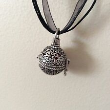 Essential Oils Aromatherapy Necklace Diffuser Pendant doTERRA Leather cord NEW