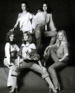 PAN'S PEOPLE POSTER PAGE . 1974 BBC TOP OF THE POPS DANCERS PANS . PP3