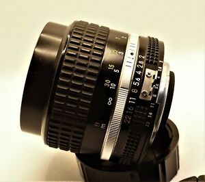 Nikon Nikkor AIs 85MM  f2 lens in excellent condition with front and rear caps