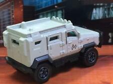 JURASSIC WORLD InGEN Soldier Tactical Vehicle Textron Tiger in 1/64 Scale B32
