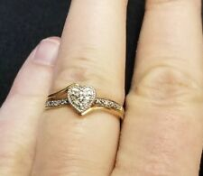 10k Gold Heart Ring W/ Diamond Chips Size 6.75 Promise / communion / first ring