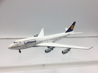 Inflight 500 IF5744002 1:500 Scale Boeing 747-400 Lufthansa